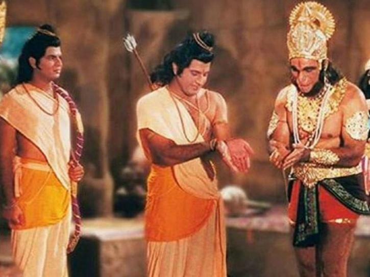 Kids Play With Homemade Bow & Arrow After Watching Ramayan & Mahabharat, Suffer Eye Injuries