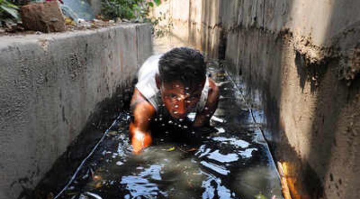 Manual Sewage cleaning