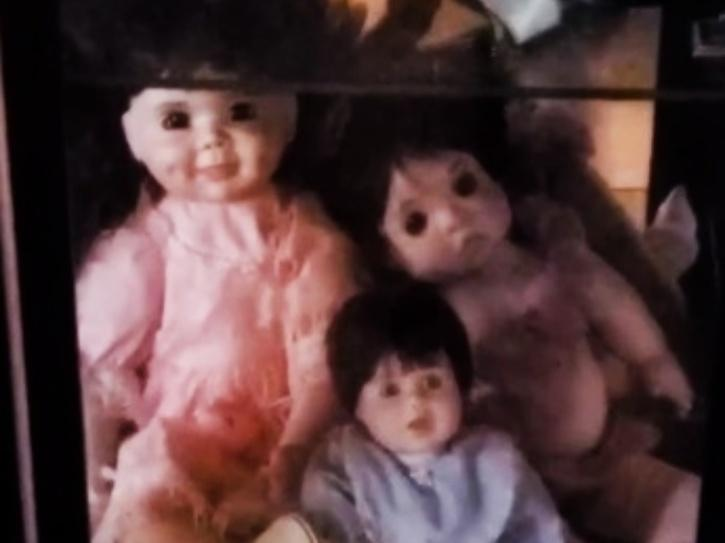 Man Freaks Out As Dolls Start Moving On Their Own While He