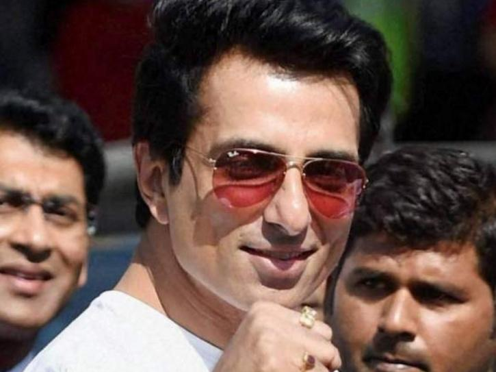 Sonu Sood Arranges Buses Again, Helps 500 Migrant Workers Go Home In UP, Will Send 3000 More