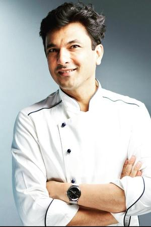 Celebrity Chef Vikas Khanna Donates 2.5 Million Meals To 75 Cities In India While Staying In US