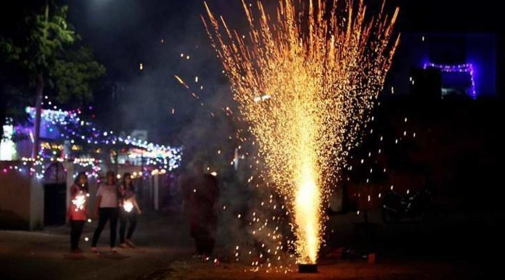 delhi crackers diwali fireworks