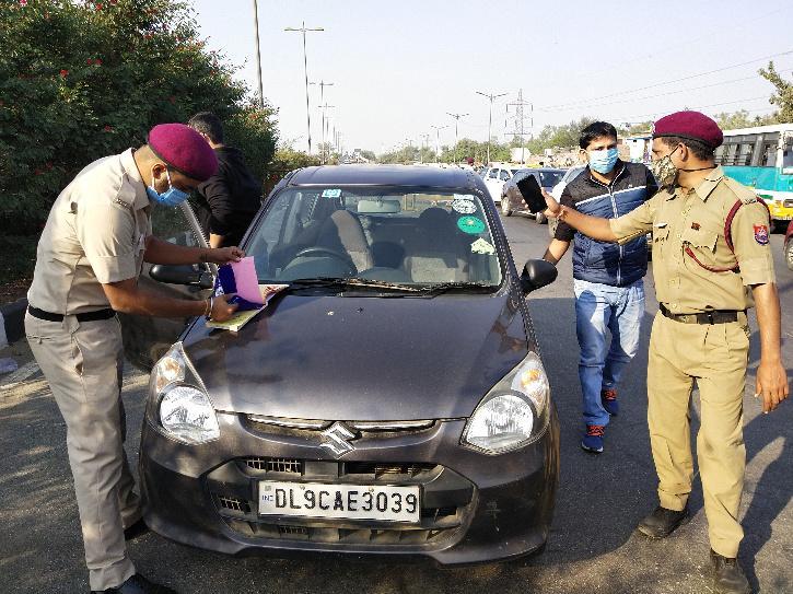 Delhi Maks Fine, Delhi COVID-19 Fine, Delhi COVID-19 Violation, Delhi Crowd, Delhi Police Fine