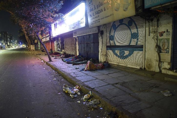 Delhi Winter Night Shelter