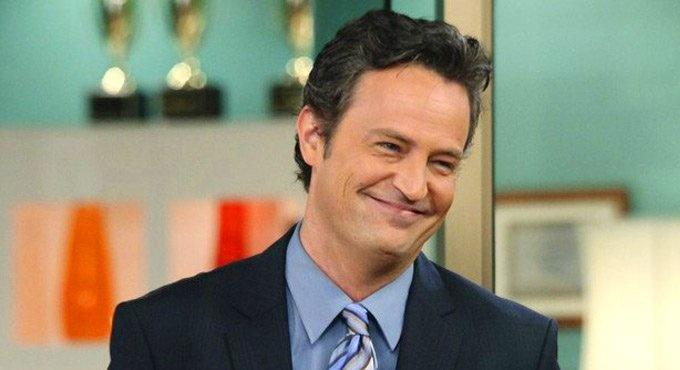 Matthew Perry as Chandler in Friends / Twitter