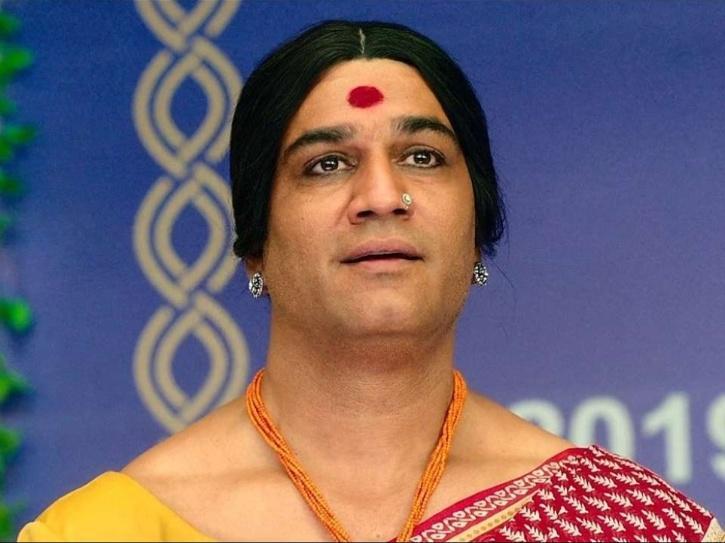Sharad Kelkar as Laxmii.