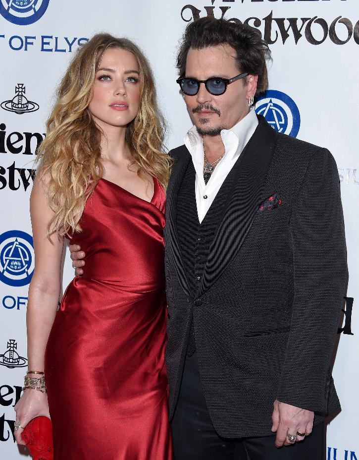 Johnny Depp and Amber Heard / Twitter