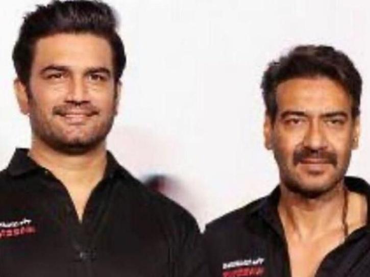 Sharad Kelkar and Ajay Devgn