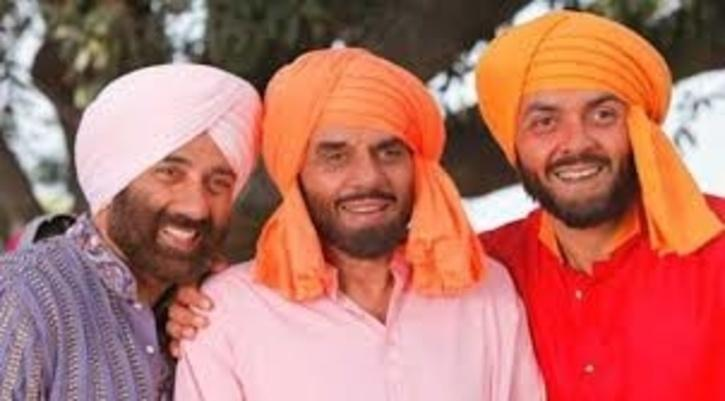 Dharmendra, Sunny Deol and Bobby Deol / Twitter