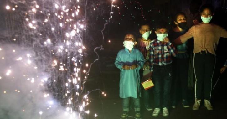 delhi crackers ban