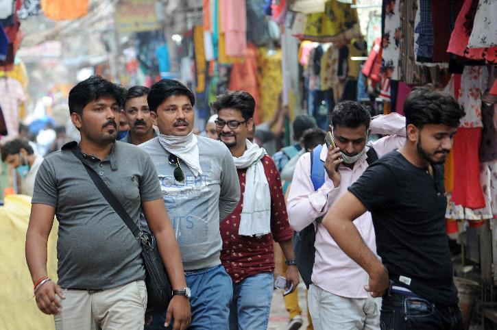 Delhi crowd during covid