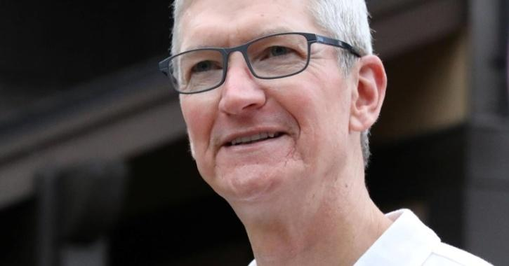 Apple CEO Responds To Facebook