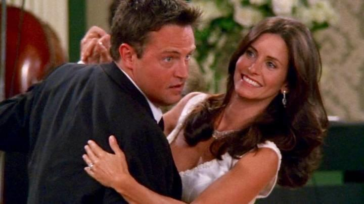 Monica and Chandler in Friends / Twitter
