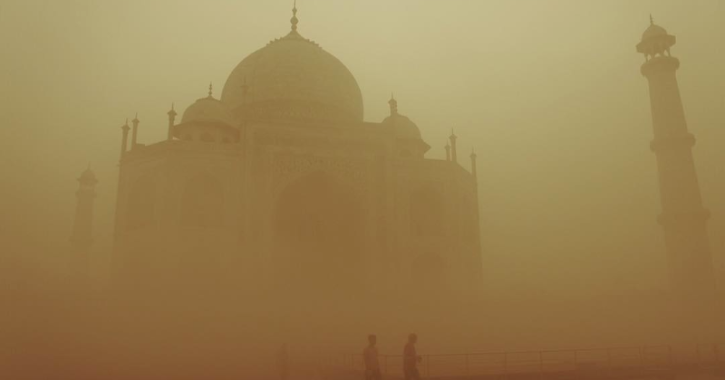 Taj mahal agra smog