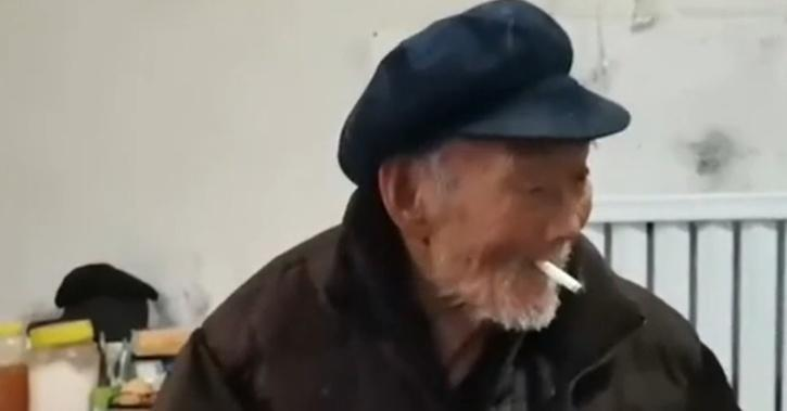 100-Year-Old Man Says His Secret To Longevity Is Drinking, Smoking & Not Caring About What He Eats