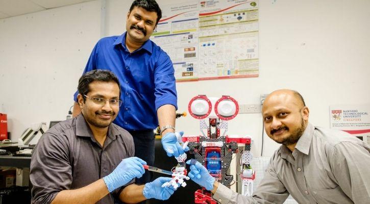 robots mini brain AI