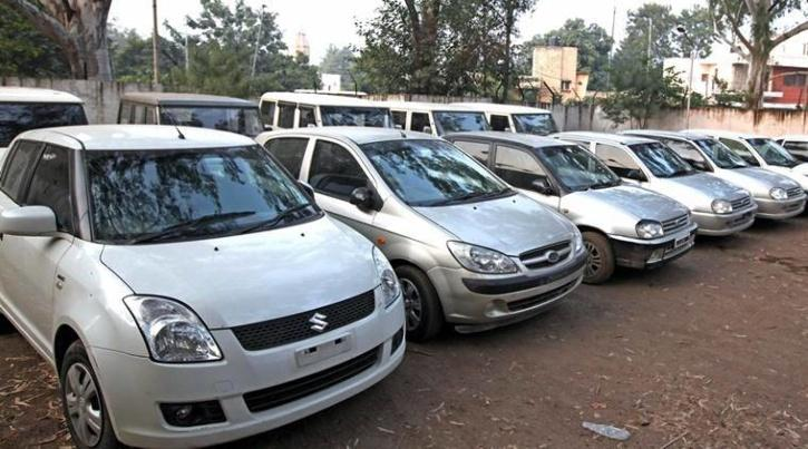 . When he met the seller, Manottam Tyagi, the latter retained the original vehicle registration papers and one key.