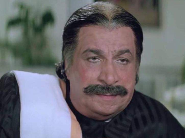 Kader Khan as Hoshiyar Chand in Coolie No. 1.