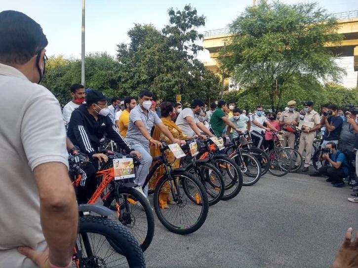 Gurugram, Cycle Track, Dedicated Cycle Track, City Centre To Subhash Chowk, Gurugram Traffic