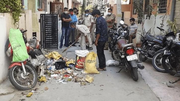 Garbage outside Hathras DM
