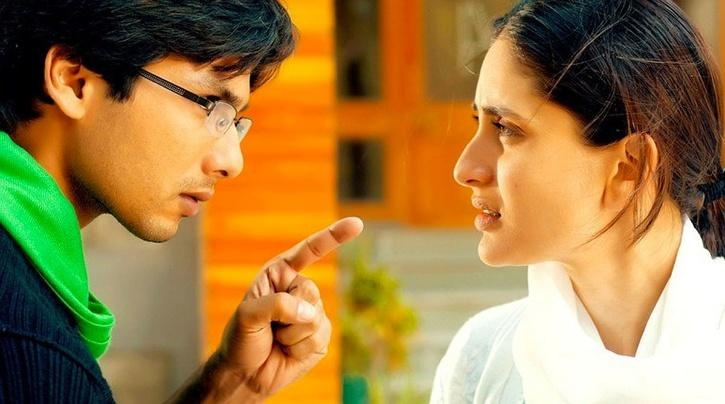 Geet from Jab We Met was the best example of how women shall take their own responsibilities.