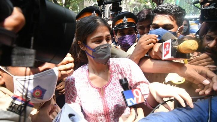 Rhea Chakraborty / Agencies