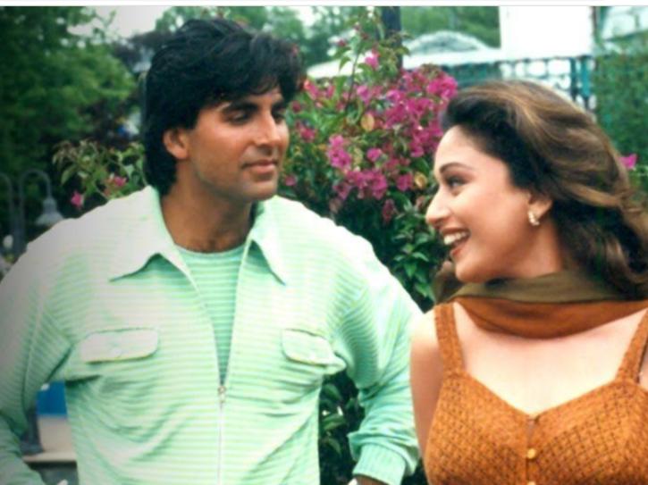 Akshay Kumar and Madhuri Dixit in Dil Toh Pagal Hai.