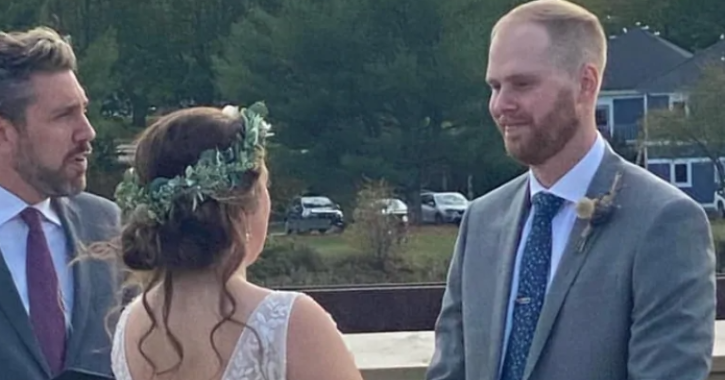 Nova Scotia couple separated from family amid COVID-19 pandemic marry on the US-Canada border