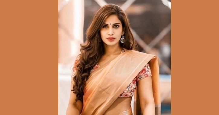 Samyuktha bigg boss season 4 tamil
