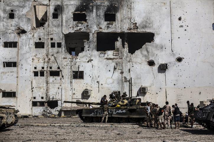 Libyan fighters clash with IS terrorists