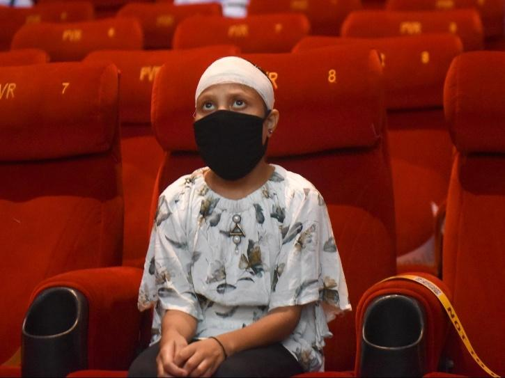 Moviegoers have to wear the masks the entire time.