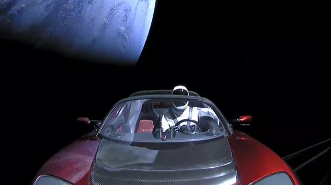 Starman dummy aboard Roadster