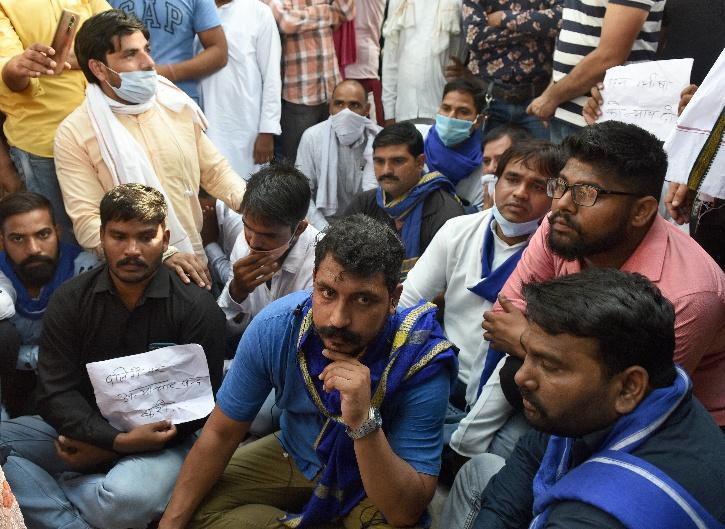 Hathras Gangrape Victim,  Hathras Gangrape Victim Cremation,  Hathras Gangrape,  Hathras Police, Uttar Pradesh Police