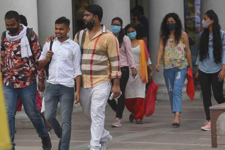 Delhi COVID-19, Delhi COVID-19 Spike, Delhi COVID-19 Second Wave, Delhi COVID-19 Guideline Violation, Delhi Metro
