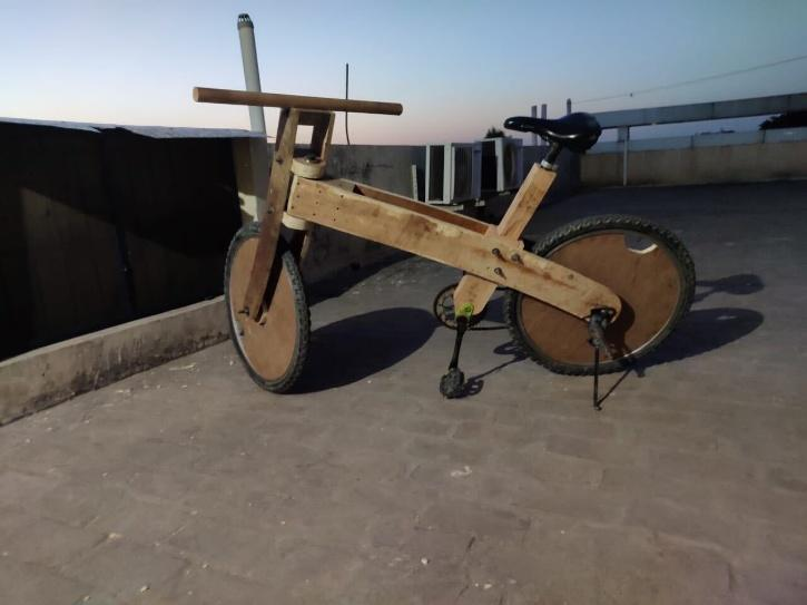 Punjabi Farmer Designs Wooden Bicycle