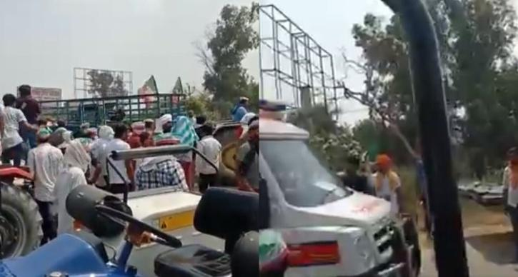 farmers make way for an ambulance in UP