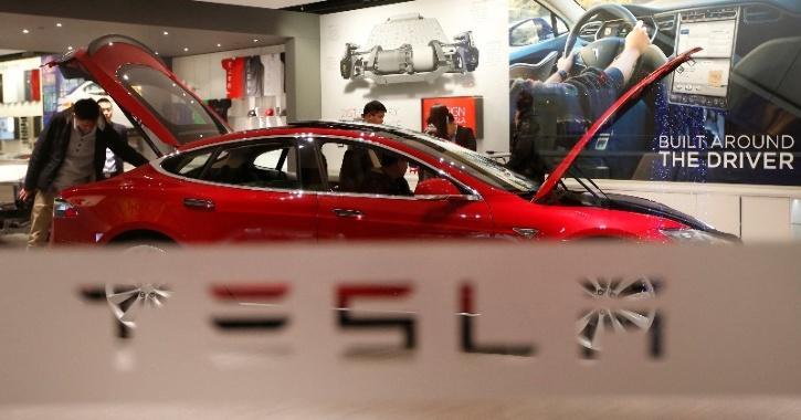 China Tesla Accident, Tesla Car Accelerating On Its Own, Tesla Crash, Tesla News, Tesla Accident Investigation, Unintended Acceleration, Pedal Misapplication, Tesla China, Auto News