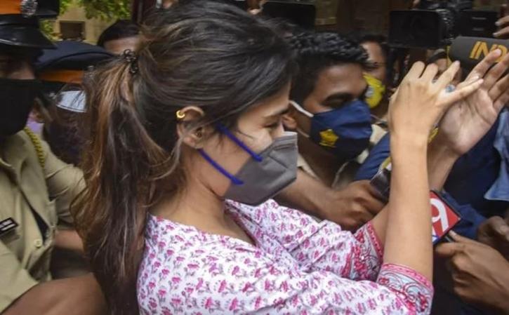 Rhea Chakraborty at NCB office / Agencies