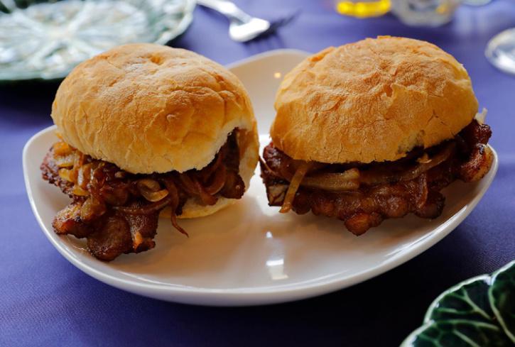 Pork Chop Bun, Macanese Food
