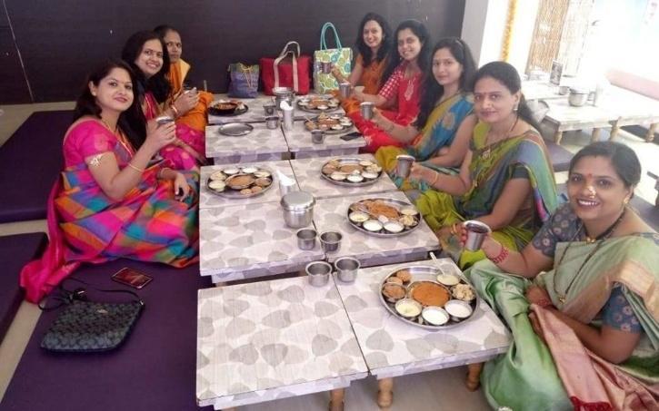 ऑस्ट्रेलिया में IT की नौकरी छोड़ महाराष्ट्रियन खाने का काम शुरू किया, आज उनके 14 रेस्टोरेंट हैं