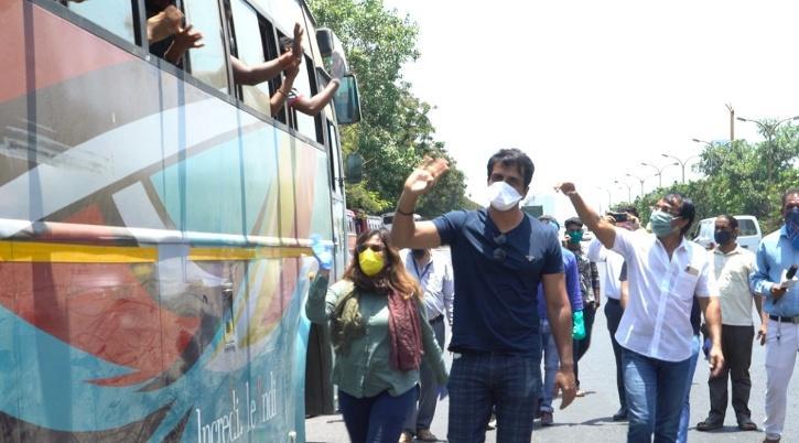 Sonu Sood sending migrants home in buses free of charge / Agencies