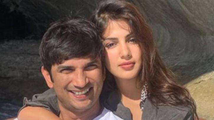 Rhea Chakraborty and Sushant Singh Rajput / Instagram