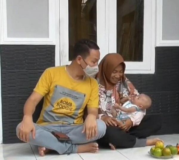 A family man in Indonesia has gone viral after he named his newborn son 'Department Of Statistical Communication'.