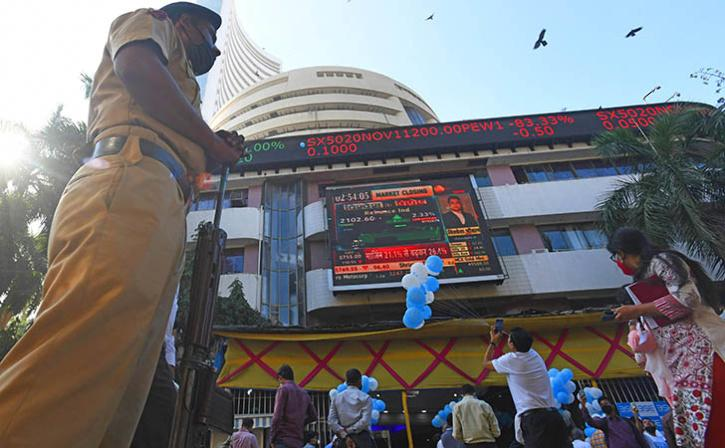 More Than Rs 4.54 Lakh Lost By Investors As Rising COVID Cases Cause Markets To Crash