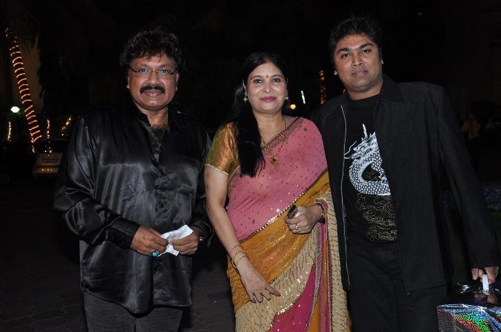 Shravan Rathod with his wife and son / ANI