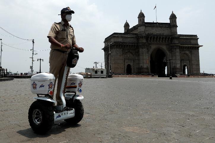 mumbai curfew