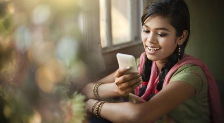 punjab cm students smartphones