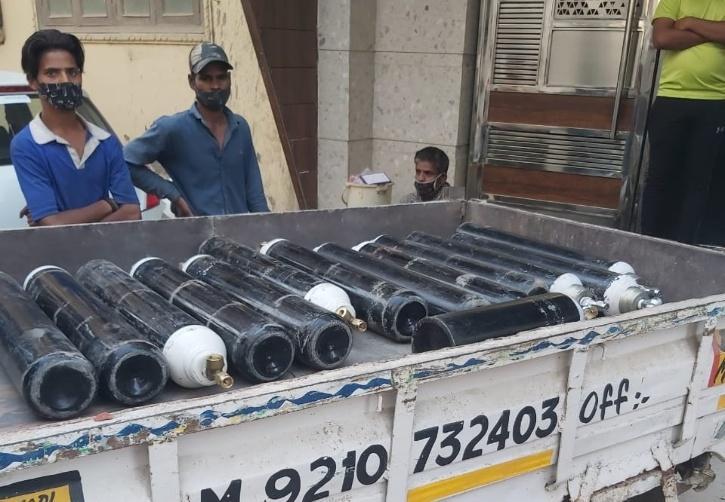 Selling Oxygen In Black Market