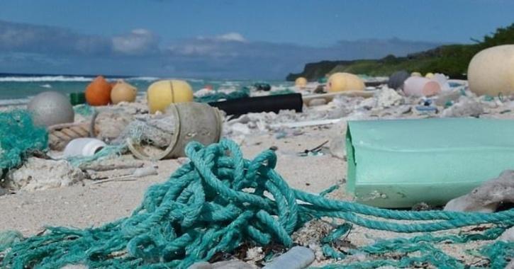 plastic waste henderson island