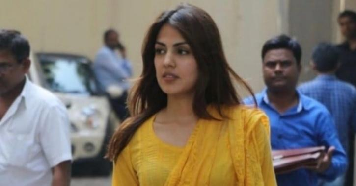 Rhea Chakraborty Is Reportedly Meeting Filmmakers And Looking For Work In Hyderabad